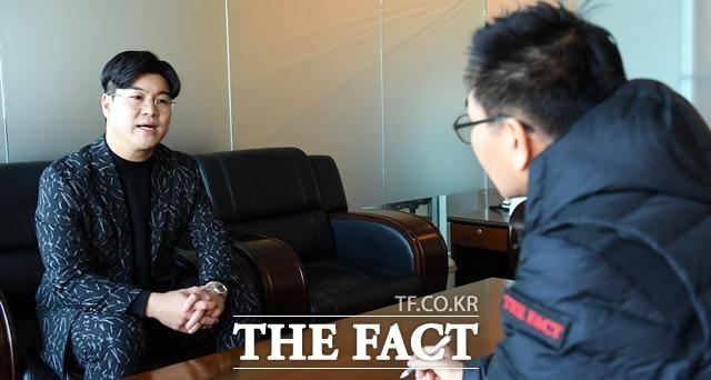2008년 구윤이란 예명으로 데뷔한 뒤 2010년 뿐이고를 히트시키며 본명 박구윤을 되찾았다. 아버지는 작곡가 박현진이다. 스페셜인터뷰는 지난 20일 서울 상암동 <더팩트> 사옥에서 2시간동안 진행됐다. /임영무 기자