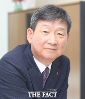LG유플러스, 황현식 사장 '신임 CEO'로 선임…하현회 부회장 용퇴