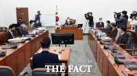 [TF초점] 文정권, 野 반발 무시 '검찰·국정원' 힘 빼기 잰걸음