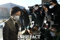 [TF사진관] '묵묵부답' 법무부 들어서는 추미애 장관