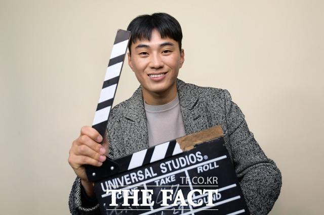 북한남자 유튜버 박유성 씨는 영상영화학과 출신답게 독특한 아이디어로 자신의 경험을 콘텐츠에 녹여내는 데 유능한 유튜버다. 지난 1일 서울 마포의 한 사무실에서 더팩트와 인터뷰한 박 씨가 포즈를 취하고 있다. /마포=이선화 기자