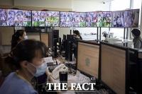 [TF사진관] 서울의료원에서 수능 치르는 코로나19 확진 수험생들