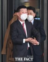 [TF포토] 호반 장남 결혼식 참석한 김홍국 회장