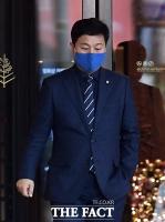 [TF포토] 호반그룹 장남 결혼식 참석한 김영배 의원