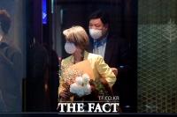 [TF포토] 서정진 셀트리온 회장 부부, 호반 장남 결혼식 참석