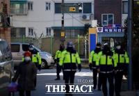 [TF포토] 조두순 거주지 일대 순찰하는 경찰