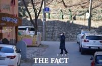 [TF포토] 조두순 거주지 주변 순찰하는 경찰