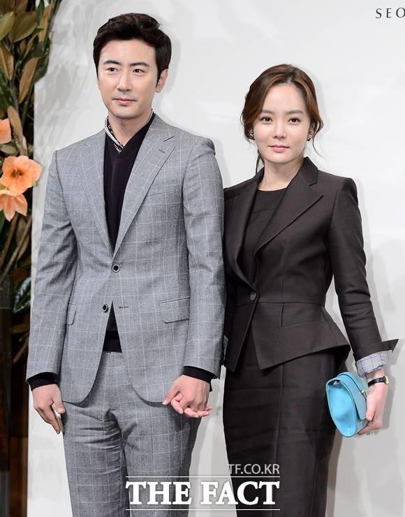 가오쯔치와 채림(왼쪽부터)은 각자의 SNS에 이혼 후 심경을 밝혀 이목을 끌었다. /더팩트DB