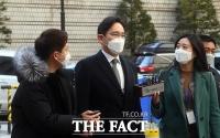 [TF사진관] '양형 판결 임박'...국정농단 재판 출석하는 이재용