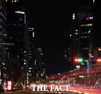[TF포토기획] 코로나19가 집어삼킨 '블랙아웃' 서울의 밤