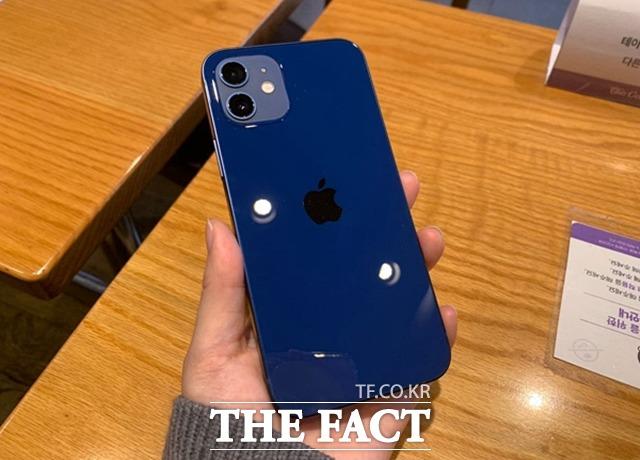 애플의 아이폰12 시리즈가 역대 최고 4분기 판매량을 기록할 것으로 보인다. /최수진 기자