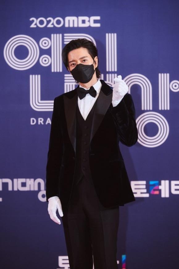 배우 박해진은 데뷔 14년 만에 첫 대상을 수상했다. /MBC 제공
