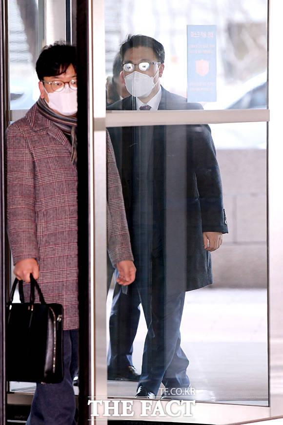 청문회 준비 사무실로 출근하는 김진욱 초대 고위공직자범죄수사처장 후보자