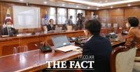 [TF사진관] '정인이 사건 잊지 않겠다'...아동학대 방지 위해 한자리에 모인 관계장관들