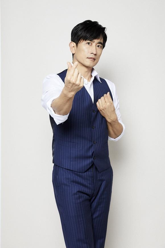 단역 배우였던 차인표는 1994년 첫 주연작 MBC 사랑을 그대 품안에를 통해 스타덤에 올랐다. /넷플릭스 제공
