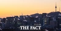 [TF사진관] 북극발 한파에 '입김 내뿜는 도심'