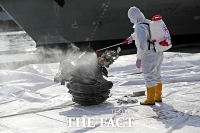 [TF사진관] 이륙 직후 추락...인도네시아 여객기 잔해 수거