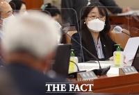 [TF이슈] '후원금 유용 의혹' 윤미향·검찰 양보없는 법정 기싸움