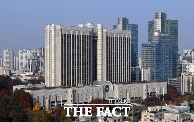 한국 법원은 국가면제 원칙을 적용해 또 다른 전범 국가 독일의 손을 들어준 8년전 국제사법재판소 판결을 정면 반박했다. /이새롬 기자