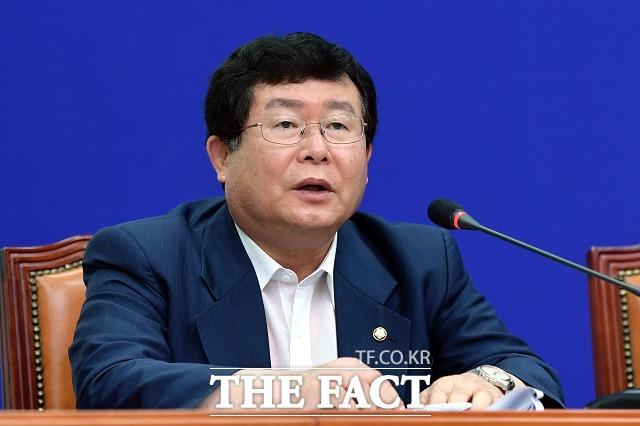 설훈 민주당 의원은 12일 더팩트와 통화에서 올해 여름께 코로나19가 진정된다면 김 위원장이 답방할 것이라고 주장했다. /이선화 기자