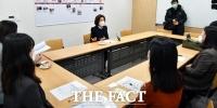 [TF포토] 나경원, 아동학대 개선 간담회