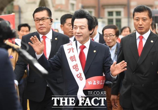 오는 4월 서울시장 보궐선거 출마를 선언한 국가혁명당 허경영 대표가 결혼수당과 연애수당을 지급한다는 내용의 5대 공약을 공개했다. /더팩트 DB