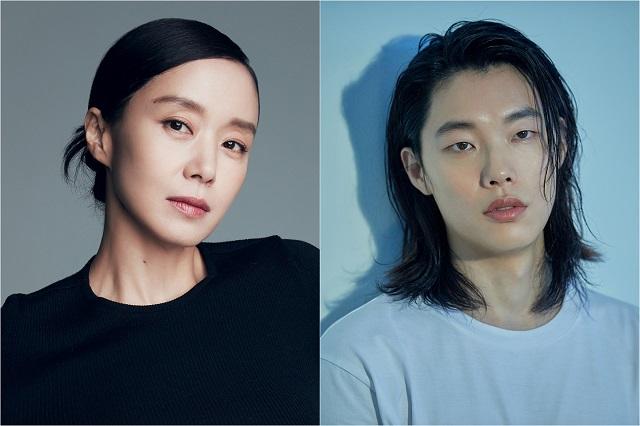 배우 전도연과 류준열이 JTBC 새 드라마 인간실격을 통해 안방극장을 찾는다. /매니지먼트 숲, 씨제스엔터테인먼트 제공