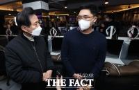 [TF사진관] 오세훈, PC방 찾아 '코로나 고충 청취'
