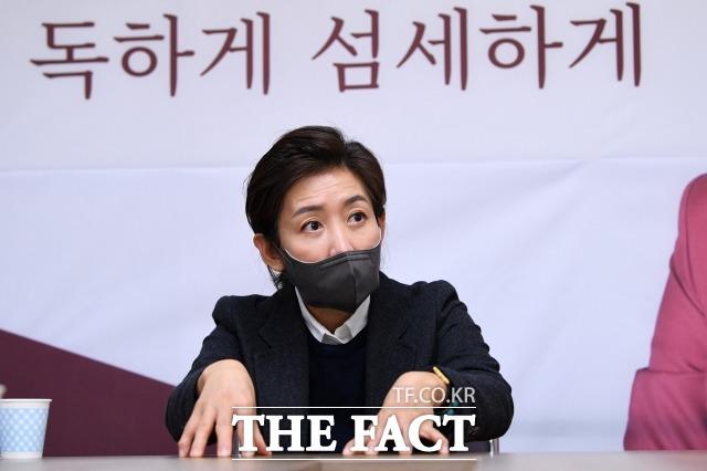 나 전 의원은 서울시장 이후 선출직 불출마 의사를 확고히했다. 그는 다른 데 한눈 파는 사람들은 미지의 서울시정을 제대로 할 수 없다고 했다. /남윤호 기자