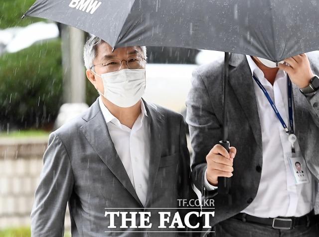 서울중앙지법 형사9단독 정종건 판사는 28일 오전 10시 업무방해 혐의로 기소된 최강욱(사진) 열린민주당 의원에 대한 선고공판을 열고 판결을 선고한다. /이동률 기자