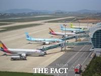 코로나에 지난해 항공교통량 '반 토막'…하루 1151대 날았다