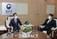 [속보] 이성윤 서울중앙지검장 유임…법무부 검찰국장 이정수