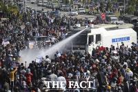 들불처럼 번지는 성난 민심...'계엄령 선포'한 미얀마 군정 [TF사진관]