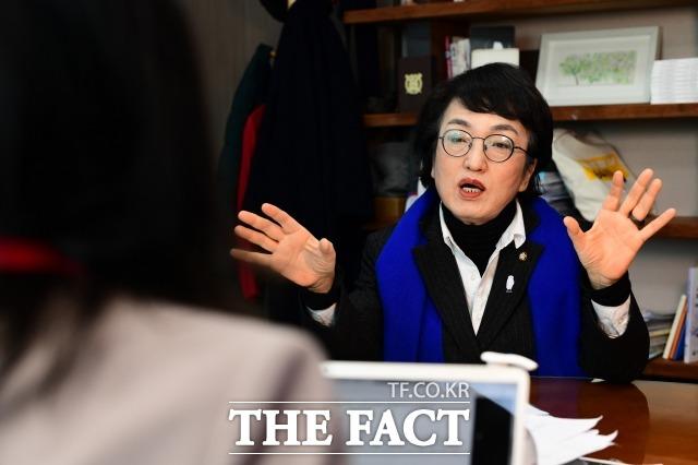 김 의원 지난 18일 노회찬재단을 방문하는 등 정의당 표심도 공략하고 있다. /남윤호 기자