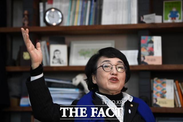 김 의원은 범여권 후보 단일화 구상에 대해선 공정한 방식을 전제로 결과에는 승복할 것이라고 말했다. /남윤호 기자