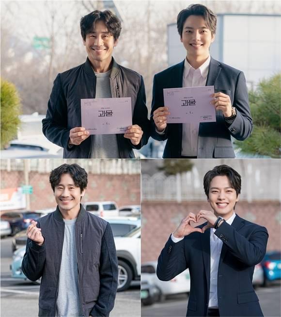 JTBC 금토드라마 괴물 측은 19일 신하균 여진구가 첫 방송을 앞두고 밝힌 관전 포인트를 공개했다. /셀트리온엔터테인먼트·JTBC스튜디오제공