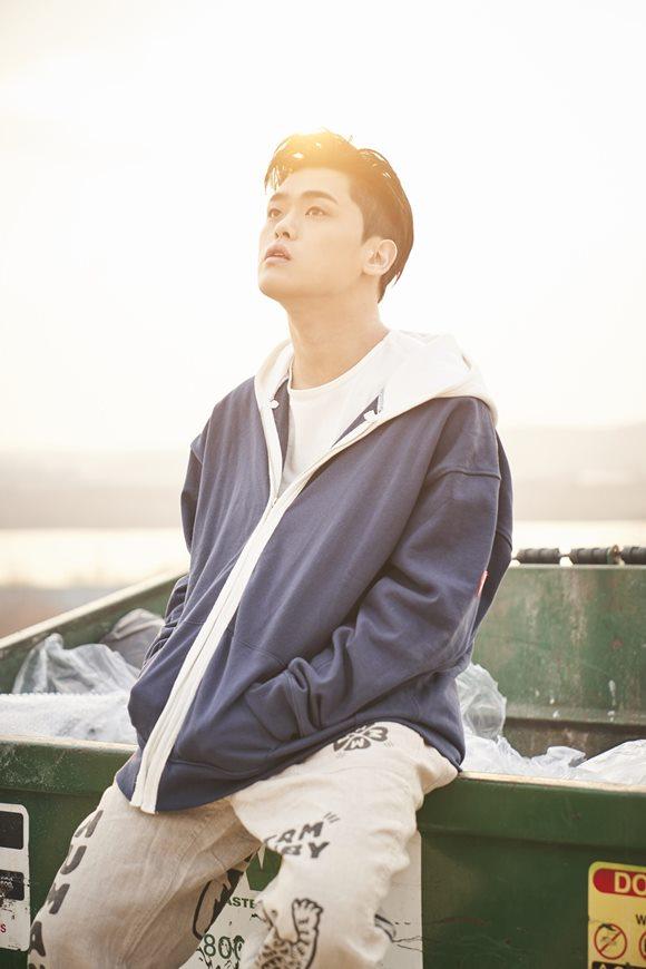 가수 빈첸이 3월 7일 오후 6시 새 앨범 FLYING HIGH WITH U(플라잉 하이 위드 유)를 발매한다. /로맨틱팩토리 제공