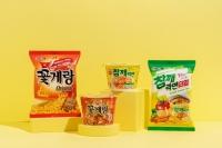 빙그레, 오뚜기와 컬래버…꽃게랑면·참깨라면타임 출시