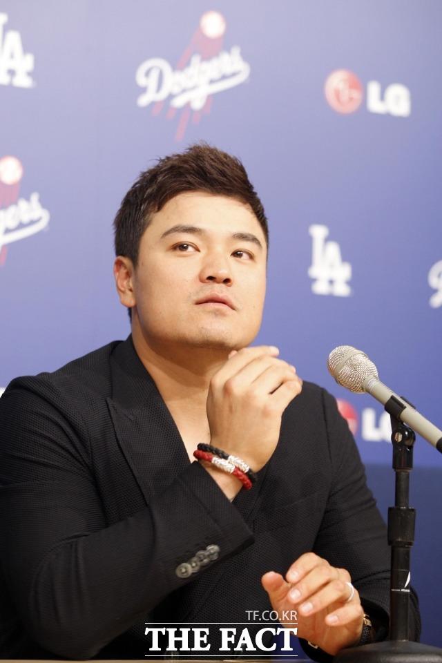 2013년 7월 28일, 메이저리그 로스앤젤레스 다저 스타디움에서 열린 LA 다저스 VS 신시내티 레즈 경기에서 기자회견 하는 추신수.
