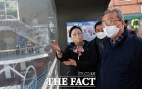 도시재생사업지역 방문한 김종인 [포토]