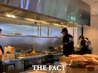 SPC, 외식사업 온·오프라인 '투 트랙' 전략 통할까