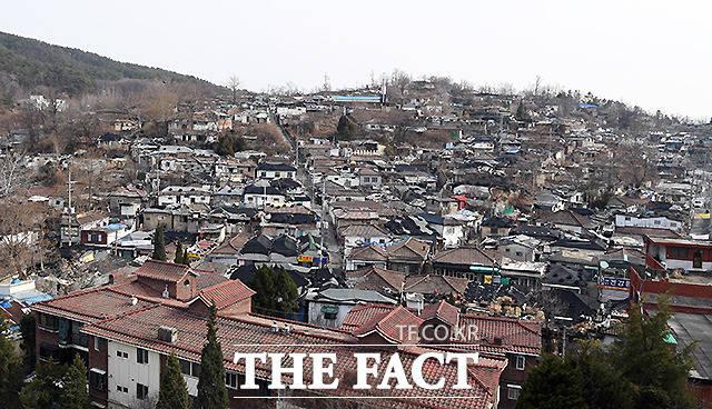 불암산 자락에 위치해 있는 백사마을은 서울의 마지막 달동네로 불린다.
