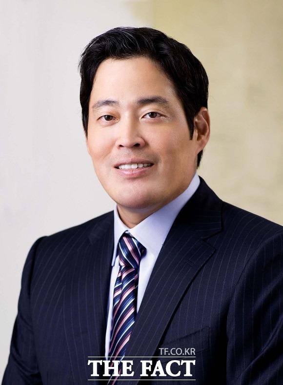 정용진 부회장은 지난달 27일 음성채팅 소셜미디어 클럽하우스를 통해 새 구단명은 인천, 공항 관련 이름으로 정했다고 밝힌 바 있다. /신세계그룹 제공