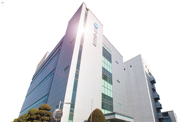 에스티팜은 이화여자대학교 산학협력단과 신규 유전자 약물 전달체 플랫폼 기술의 공동 개발을 위한 협약을 체결했다. /에스티팜 제공