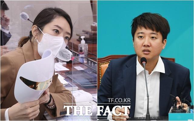 고민정 민주당 의원(왼쪽) 은 최근 이준석 전 국민의힘 최고위원이