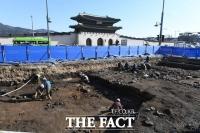 조선시대 유물 발굴 작업 진행 중인 광화문광장 [TF사진관]