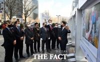 대상 수상한 사진 설명하는 김기태 기자 [포토]
