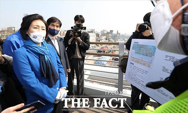 박 후보는 경인지하차도 공사 관련 현장을 방문한 뒤.