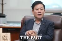 민주당 마지막 사투, 서울·부산 지인 찾아 전화하기 백병전 '돌입'
