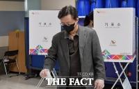 투표하는 우병우 전 청와대 민정수석 [포토]
